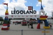 Wejście do parku Legoland w Billund.