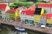 Kopenhaski Nyhavn z klocków LEGO w parku Legoland.