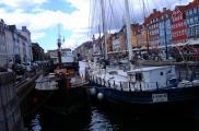 W Nyhavn nadal cumują statki.