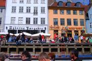 Nyhavn można podziwiać z pokładu statku wycieczkowego.