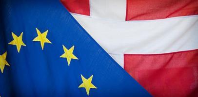 Dania w UE, flaga duńska i unijna
